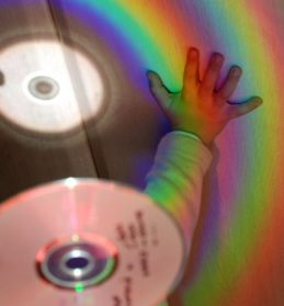 Thumbnail de: Luces de colores con CD's